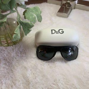 Dulce & Gabanna black sun glasses